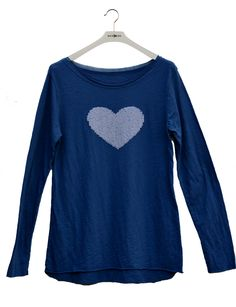 Camiseta corazón casual-chic.