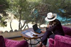 Hotel ideal para reuniones de empresa y negocios. Internet Wifi gratuito en todo el recinto. Hotel totalmente renovado en 2011 - HOTEL HOSTALILLO Tamariu - Costa Brava.