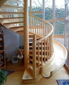 escalier et toboggan