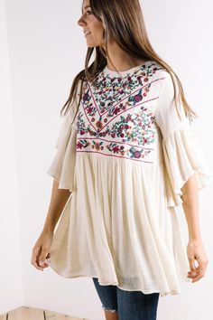 Stylish and affordable tops for the fashion forward girl. Stay on trend. Nursing friendly modest casual and dressy tops for women online - April 13 2019 at Autumn Fashion For Teens, Latest Fashion For Women, Womens Fashion, Ladies Fashion, Dressy Tops, Modest Fashion, Teen Fashion, Fashion Clothes, Feminine Fashion