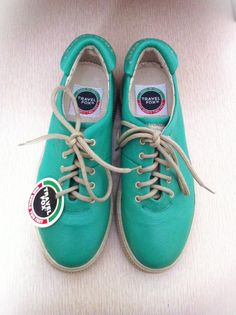 Vintage Mint Green 1980s Travel Fox Sneakers #mint #green #sneakers #shoes www.loveitsomuch.com