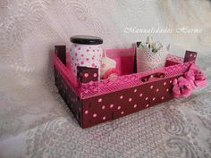 Risultati immagini per cajas de fresas decoradas Wooden Crates, Wooden Boxes, Home Crafts, Diy And Crafts, Fruit Box, Bottles And Jars, Diy Box, Hacks Diy, Diy Gifts