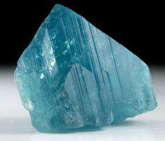 """Mineral Specimens: Euclase"" https://sumally.com/p/472689?object_id=ref%3AkwHOAAgj_oGhcM4ABzZx%3AeRmG"