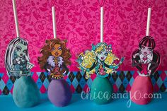 Hey, I found this really awesome Etsy listing at https://www.etsy.com/listing/232798397/monster-high-cake-pop-cupcake-topper