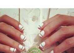 Vernis ( nail art ) : 10 manucures minimalistes que vous allez adorer !