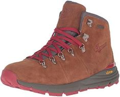Danner Mountain 600 Men's Shoes Brown/Red Danner Mountain 600 Herrenschuhe Braun / Rot Shoes Brown, Brown Boots, Hiking Gear, Hiking Shoes, Trekking Shoes, Men Hiking, Camping Gear, Timberland, Hiking Boot Reviews