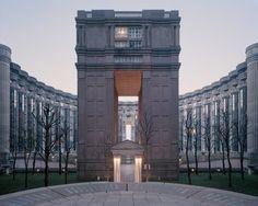 A Utopian Dream Stood Still: Ricardo Bofill's Postmodern Parisian Housing Estate of Noisy-le-Grand, Les Espaces d'Abraxas, Noisy-le-Grand, 2014. Image ©  Laurent Kronental