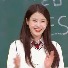 Real Life Princesses, Red Velvet Irene, Kim Jaehwan, Blackpink Lisa, Girl Bands, Kpop Aesthetic, Korean Actresses, K Idols