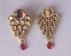 Maharaja Sawai Man Singh II Museum, The City Palace Jaipur Jewelry Design Earrings, Emerald Jewelry, Small Earrings, Ethnic Jewelry, Antique Jewelry, Gold Jewelry, Jewelery, Gold Earrings, Indian Wedding Jewelry