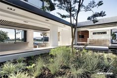 Yet another reason to move to South Africa. Antoni Associates have designed the interior of the Pearl Valley 334 house for a young family in Cape Town, South Africa. Home Interior, Interior Architecture, Interior And Exterior, Interior Modern, Modern Family, Home And Family, Young Family, African House, Dream House Plans