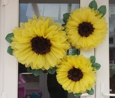 Check out this item in my Etsy shop https://www.etsy.com/uk/listing/244918701/set-of-3-45cm-28cm-sunflowers-tissue