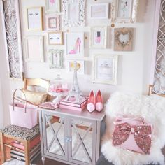 Making my workspace so cute and girly is always at the top of my list! In fact I never stop updating it because it's just one of those things that I do that makes me happy and I'm going to dish my secrets to you right here as to how you can do the same! If you... #becomegirly #classicfashionstylist