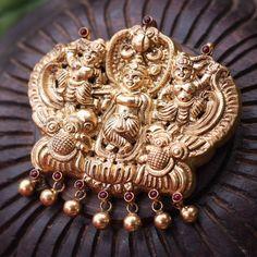Krishna pendant in temple jewellery