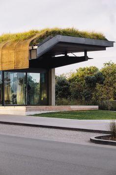 Te Kaitaka - The Cloak / Fearon Hay Architects