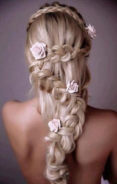 fonott menyasszonyi frizurák, fonott esküvői frizura - fonással díszített menyasszonyi frizura