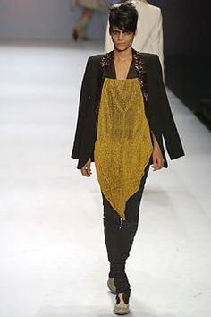 Jean Paul Gaultier Spring 2004 Ready-to-Wear Fashion Show - Jean Paul Gaultier, Omahyra Mota (NATHALIE)