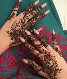 Mehndi design is one of the most authentic arts for girls. The ladies who want to decorate their hands with the best mehndi designs. Finger Henna Designs, Arabic Henna Designs, Mehndi Designs For Girls, Modern Mehndi Designs, Mehndi Design Photos, Mehndi Designs For Fingers, Beautiful Mehndi Design, Simple Mehndi Designs, Henna Tattoo Designs