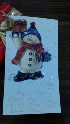 Biglietto natalizio fatto utilizzando carta pergamena e tovagliolo