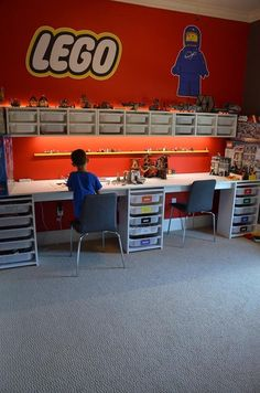 Our LEGO room is our favorite room in our house right now. It has perfect LEGO storage and awesome LEGO decals. Read for how to build a LEGO room! Mesa Lego, Lego Display, Kids Room Design, Design Desk, Playroom Design, Design Table, Table Designs, Toy Rooms, Kids Bedroom