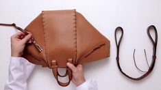 Leather Bag Pattern, Sewing Leather, Leather Craft, Leather Gifts, Leather Bags Handmade, Handmade Bags, Leather Purses, Leather Handbags, Leather Wallet