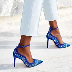 "27 k gilla-markeringar, 373 kommentarer - AQUAZZURA by Edgardo Osorio (@aquazzura) på Instagram: ""Make a statement with the 'Jaipur Pump' perfect to pair with both evening dresses and denim!…"""