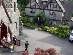 Something old, something new, something out of the blue: Wedding photos go to the drones - TODAY.com