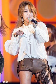 Narsha Yellow Black, Black And Brown, Ga In, Brown Eyed Girls, Brown Eyes, Pop Group, Korean Girl Groups, Kpop Girls