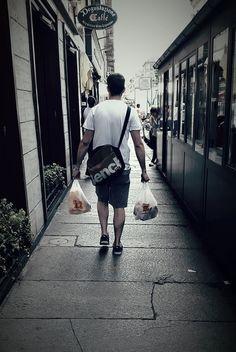 Suggerimento per tutti: nel tragitto dal negozio a casa prendetevela comoda, con i nostri sacchetti ad hoc i prodotti rimangono ben caldi per almeno un'ora! #pranzo #comodo #pollo #chicken #food #foodpackaging
