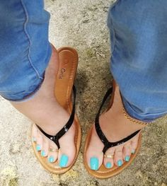 Bare feet in flip-flops, mules, pumps, flat pumps and clogs. Nice Toes, Pretty Toes, Feet Soles, Women's Feet, Foot Pics, Foot Toe, Sexy Sandals, Beautiful Toes, Sexy Toes