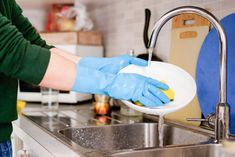 Hands cleaning dirty dishes in the kitchen faucet Domestic Cleaning, Washing Dishes, Cleaning Solutions, Hand Washing, Faucet, Hands, Kitchen, Boston University, Roommates