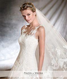 Sempre un'emozione unica in ogni abito da #sposa #Pronovias2017. Guarda l'intera collezione 2017 su http://www.piazzadispagnasposi.it/collezioni/sposa/pronovias-2017/