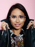 Brilliant Makeup DIYs For Girls In Glasses #refinery29  http://www.refinery29.com/makeup-glasses
