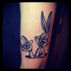 bugs bunny tattoos cartoon tattoo designs pinterest bunnies tattoos and body art and. Black Bedroom Furniture Sets. Home Design Ideas