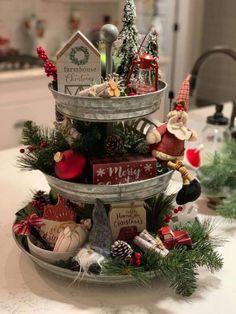 Elegant Christmas Decor, Farmhouse Christmas Decor, Holiday Decor, Rustic Christmas Crafts, All Things Christmas, Christmas Time, Christmas Wreaths, Christmas Ornaments, Christmas Centerpieces