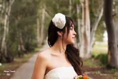 #AmayaTocados Blog: Base lagrima y bouquet, ideal para novias ..#hair, #bridal, #chic, #boda, #fiesta, #chic, #invitadaperfecta, #crudo, #accesorios, #wedding, accesorio, #complemento,  #andalucia, artesania,#novia, #peinetas,