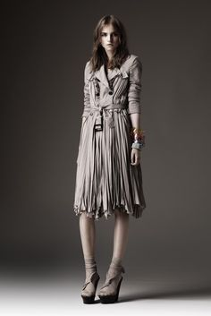 Burberry Prorsum Resort 2010 - Collection - Gallery - Style.com