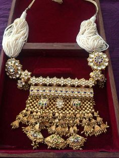 Rajasthani Tewta in Kundan work - fashion and jewelry, silver fashion jewellery, jewelry events *ad Silver Jewellery Indian, Indian Wedding Jewelry, Royal Jewelry, Silver Jewelry, Bridal Jewellery, Silver Ring, 925 Silver, Silver Bracelets, Gold Jewellery