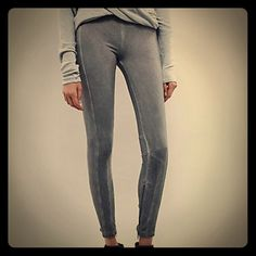 """New FREE PEOPLE Daugn Legging Super soft and stretchy washed knit (sueded) leggings.  Very cool exposed zipper and cording detail at ankle.  Elastic waist.  Cotton / Spandex blend.  COMFY!  Grey/Gris, Marked Size XS, fits XS-SM. 28"""" Waist (unstretched). Free People Pants Leggings"""