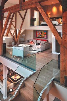creativehouses: Três andares, não há paredes. via reddit