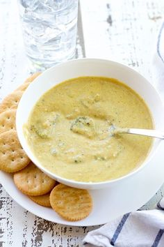 I'm so excited to share this new recipe for crockpot broccoli cheddar soup. It's easy and healthy and, in my opinion, better than Panera's. Kelly and I both love Panera, and so do ALL of our kids! Keto Crockpot Recipes, Gourmet Recipes, Soup Recipes, Healthy Recipes, Crockpot Meals, Copycat Recipes, Delicious Recipes, Healthy Foods, Healthy Eating