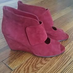 Suede Aerosole Heels These heels are high standing at 3 inches but they are incredibly comfortable to walk in. These shoes are designed for comfort. Who doesn't love a comfortable wedge heel? AEROSOLES Shoes Wedges