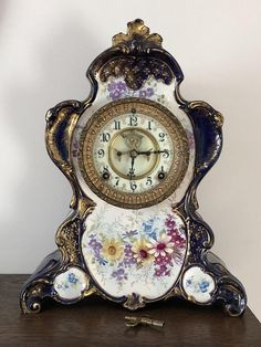 Old Watches, Vintage Watches, Unusual Clocks, Tabletop Clocks, Antique Clocks, Home Decor Accessories, Art Nouveau, Beautiful Homes, Baby Born