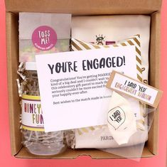 26 Engagement Gifts the Newlyweds Will Love in 2019 - gift lab Gifts for couples Cheers! 26 Engagement Gifts the Newlyweds Will Love in 2019 - gift lab Engagement Gift Baskets, Engagement Gifts For Bride, Engagement Box, Engagement Celebration, Cute Engagement Presents, Gifts For Engaged Friend, Engagement Balloons, Engagement Congratulations, Just Engaged