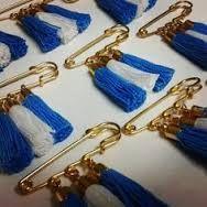 Resultado de imagen para escarapelas argentinas Girl Scouts, Handicraft, Ideas Para, Handmade Jewelry, Diy Crafts, Personalized Items, Cool Stuff, Creative, Gifts