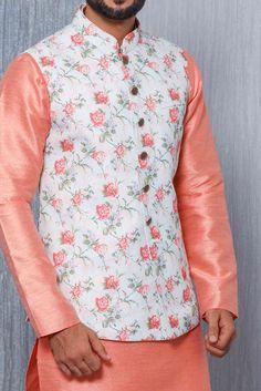 Buy Kartik Aaryan Alluring Kurta Jacket set from our latest Collection. Select from a wide range of designer kurta pajama, dhoti kurta, indo western wear, ethnic kurta set, pathani for men online. Punjabi Fashion, Indian Men Fashion, Mens Fashion, Mens Dress Outfits, Men Dress, Groom Dress, Nehru Jacket For Men, Wedding Kurta For Men, Modi Jacket