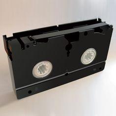 """""""Non guardare quella VHS"""""""