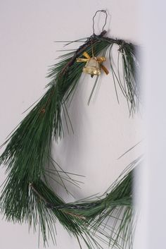 Natural way of decorating for christmas - click to find similar ideas