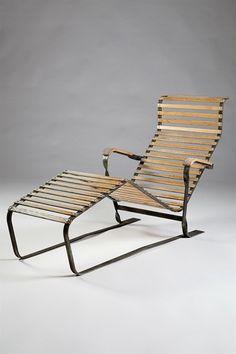 Chaise longue designed by Marcel Breuer for Embru/Wohnbedorf, Switzerland. 1930's. Galvanized steel and oak.