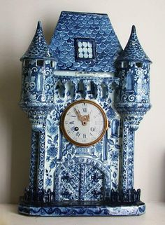 blue and white porcelain castle clock with twin towers Blue And White China, Blue China, Love Blue, Antique Clocks, Vintage Clocks, Antique Watches, French Clock, Clock Decor, Mantle Clock