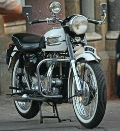 T110 Tiger 1956 Cafe Racer Moto, Triumph Cafe Racer, Triumph Bikes, Triumph Bobber, Triumph Bonneville, Ajs Motorcycles, British Motorcycles, Vintage Motorcycles, Standard Motorcycles